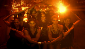 rihanna-Where-Have-You-Been-Video-Eye-Formation