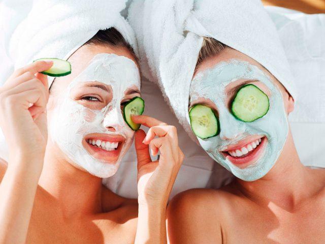 cara-mudah-meremajakan-kulit-wajah-dengan-5-masker-buah_m_-640x480